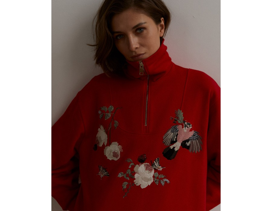 Long red embroidered sweatshirt