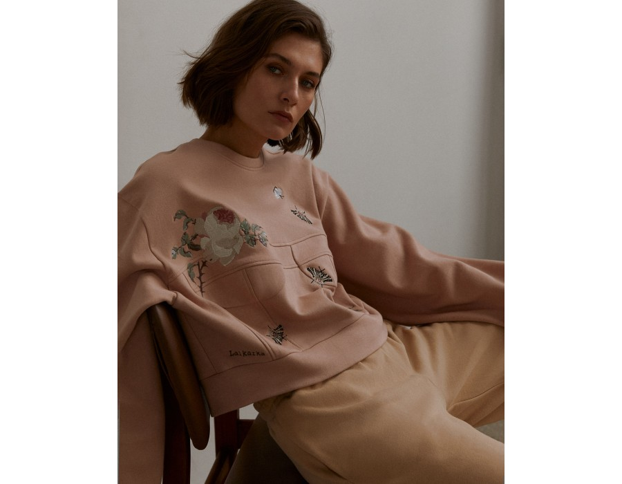 Dusty pink voluminous embroidered cropped sweatshirt