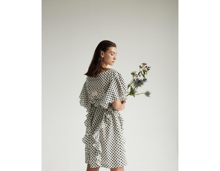Embroidered linen dress with ruffled details