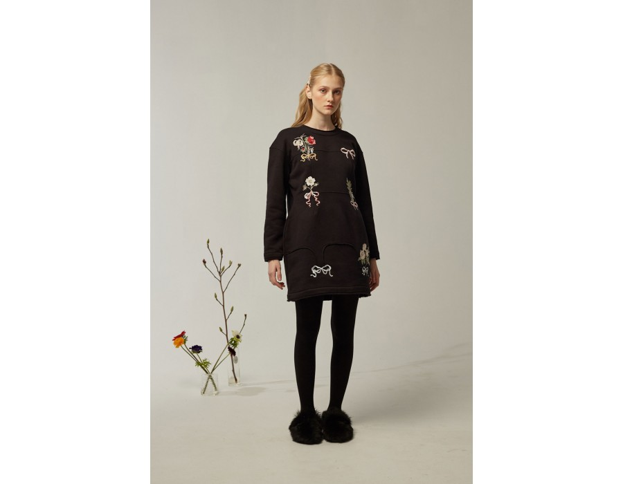 Embroidered little black dress Lalkarka boutonnieres(Out Of Stock)