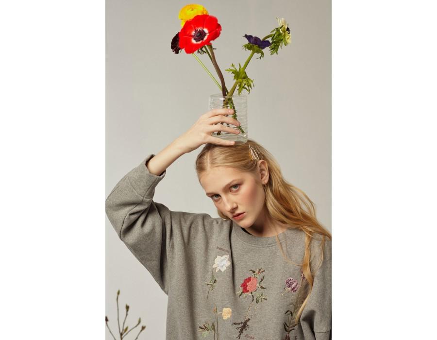 Grey sweatshirt lalkarka botanique