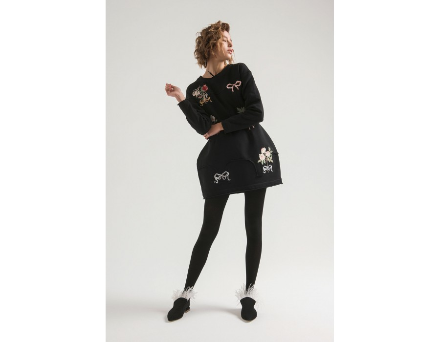 Embroidered little black dress boutonnieres(Out Of Stock)